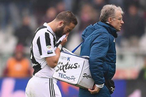 """Juventus a câştigat """"Derby della Mole"""" şi continuă lupta umăr la umăr cu Napoli. Vestea proastă primită de Allegri"""