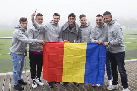 """Românii care l-au fascinat pe Neymar o iau de la capăt. Ce spune brazilianul de la PSG despre """"festivalul"""" cu 100.000 de fotbalişti"""