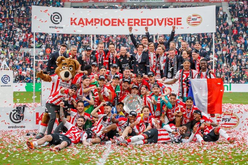 FOTO | PSV, campioană cu stil! A câştigat al treilea titlu din ultimii patru ani după o victorie cu 3-0 în faţa rivalilor de la Ajax