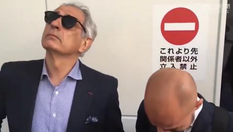 FAZA ZILEI   A plâns şi pentru el! Translatorului i-au dat lacrimile pentru selecţionerul care a fost dat afară înainte de Campionatul Mondial   VIDEO