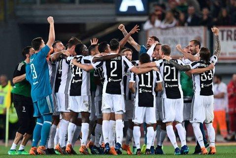"""Juventus Torino e """"regina"""" Italiei! A câştigat al şaptelea titlu consecutiv"""