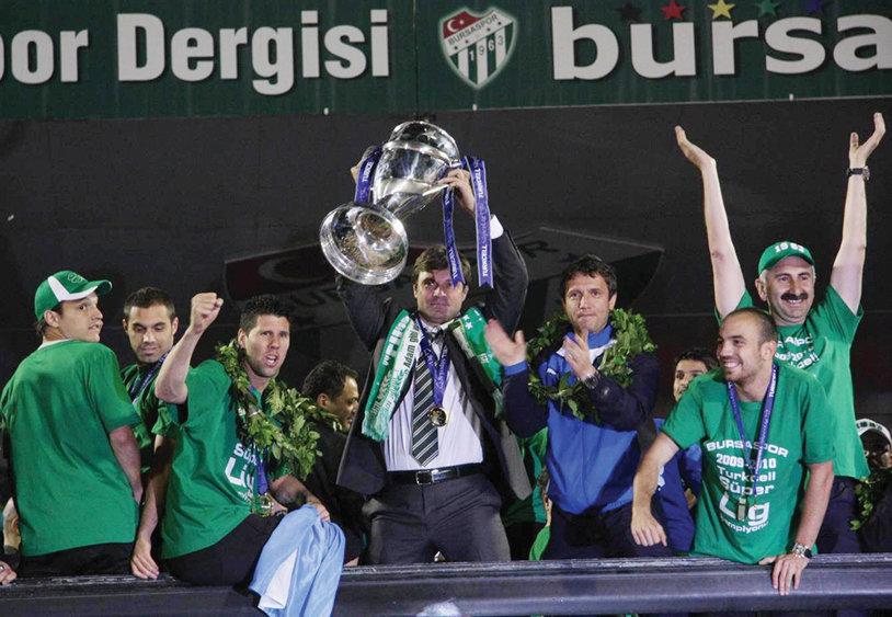 Kayserispor are un nou antrenor! Şumudică a fost înlocuit de omul care a condus Bursaspor spre titlu, cu Giani Kiriţă în teren