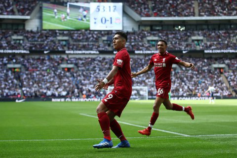 """When the Reds Go Marching In"". Liverpool a învins Tottenham pe Wembley şi rămâne în fruntea Premier League"