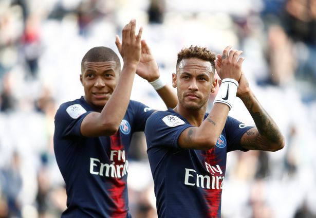 PSG players, who bind contracts to ... greet fans! The incredible amount Neymar receives for the gesture that should become natural