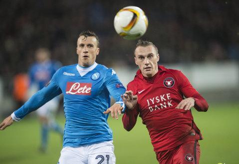 Napoli a câştigat cu Carpi, scor 1-0, şi continuă lupta pentru titlu în Italia. Chiricheş, doar rezervă