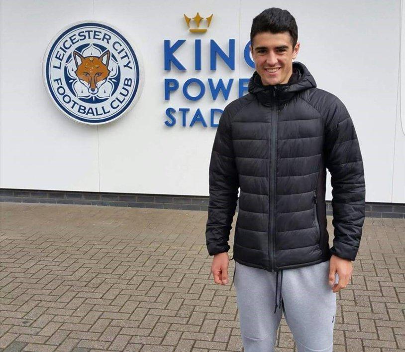 Primele semne că vom avea un nou român în Premier League! Paşcanu, fotbalistul lui Leicester, a semnat primul contract profesionist | EXCLUSIV Reacţia fundaşului după ce Shakespeare a devenit oficial antrenor