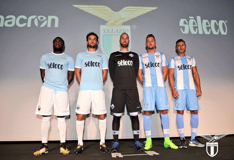 """Lazio s-a """"gătit"""" pentru sezonul 2017-2018. A prezentat oficial noile echipamente. Radu Ştefan: """"Tricourile au o istorie în spate. Purtându-le, avem o presiune, care ne obligă să câştigăm"""""""
