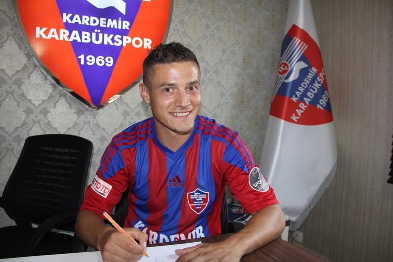 FOTO | Gabriel Torje a fost prezentat oficial la noua sa echipă