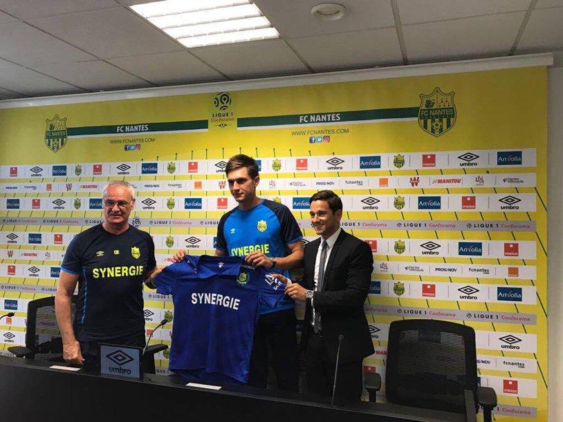 FOTO | O altă mentalitate! Suporterii lui Nantes au venit alături de echipă după umilinţa din prima etapă. Tătăruşanu ar putea debuta cu Olympique Marseille