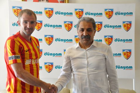 Super lovitură dată de Şumudică pe piaţa transferurilor. Kayserispor l-a transferat pe căpitanul naţionalei Ucrainei