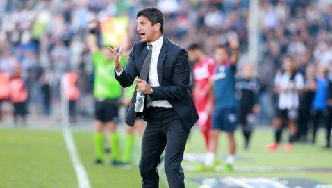 Răzvan Lucescu, implicat într-un scandal cu antrenorul advers la debutul pe banca lui PAOK în campionatul Greciei. Românul a fost eliminat în minutul 28 al meciului cu Levadiakos