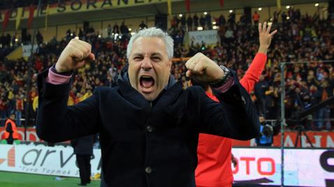 Încă o victorie mare pentru Şumudică, în Turcia! Kayserispor a câştigat în deplasare şi a ajuns la trei puncte în spatele liderului