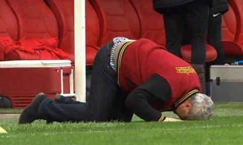 FOTO & VIDEO   Şumudică a pupat gazonul după victoria care l-a apropiat la trei puncte de campioana en-titre! Emoţii mari pentru Kayseri: Săpunaru a făcut penalty în ultimul minut