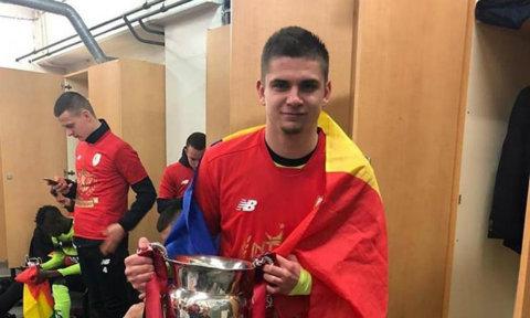 Prima reacţie a lui Răzvan Marin după ce a câştigat primul trofeu în Belgia. Ce a scris mijlocaşul crescut de Hagi pe reţelele sociale