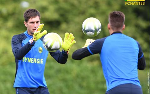 Tătăruşanu likes this. Anunţ important făcut de presa din Franţa în privinţa viitorului goalkeeperului naţionalei României