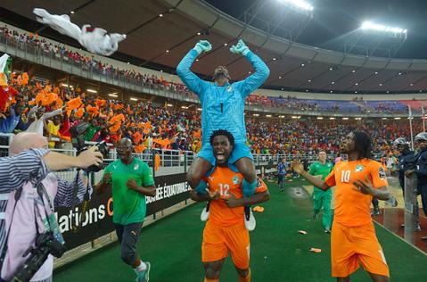 Coasta de Fildeş a câştigat pentru a doua oară Cupa Africii pe Naţiuni după 9-8 la penalty-uri cu Ghana. Ivorienii cuceresc trofeul fără legendarul Didier Drogba