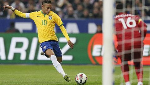 Francezii s-au făcut de râs la meciul cu Brazilia. S-a văzut mare, la TV. FOTO | Tu sesizezi cele două gafe incredibile?
