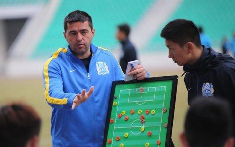Guangzhou R&F, eliminată din Liga Campionilor Asiei. Cosmin Contra şi-a egalat recordul negativ stabilit etapa trecută