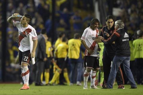Pedeapsă drastică pentru Boca Juniors după incidentele de la meciul cu River Plate. FIFA a cerut excluderea din orice competiţie, CONMEBOL a refuzat