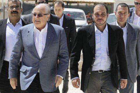 Alegeri pentru şefia FIFA! Prinţul Ali, susţinut de Platini, încearcă să pună capăt dominaţiei lui Blatter la FIFA