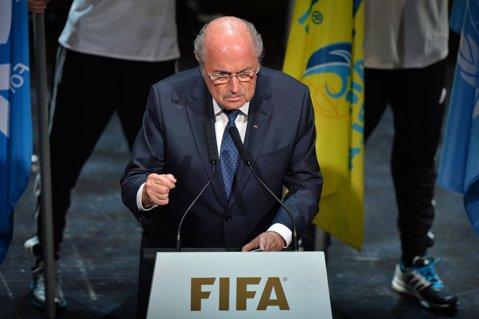BREAKING NEWS! Cutremur în fotbal: Sepp Blatter şi-a dat demisia de la şefia FIFA!