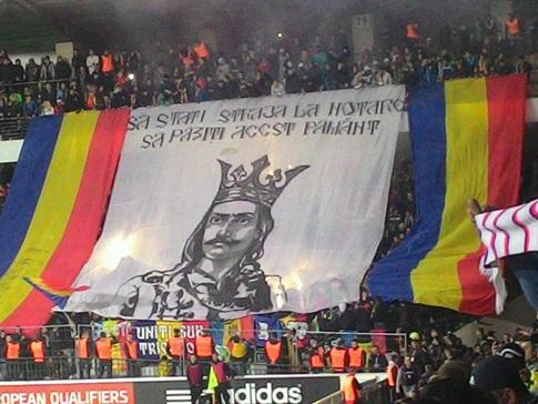 UEFA a deschis o procedură disciplinară contra Moldovei din cauza bannerelor de la meciul cu Rusia. FOTO | Mesajele pro-românești