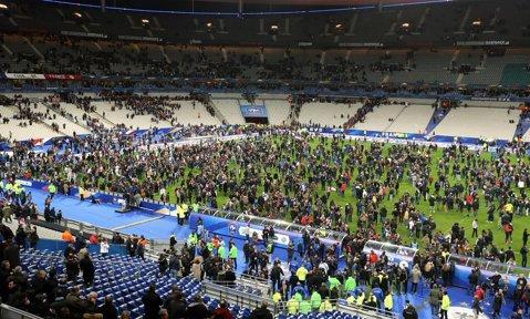 Anglia a învins Franţa cu 2-0, într-un meci care s-a jucat în memoria victimelor atentatelor de la Paris. Prinţul William şi David Cameron, printre cei 70.000 de spectatori