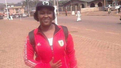 TRAGEDIE | Un portar al unei echipe de fotbal feminin din Camerun a murit la încălzire