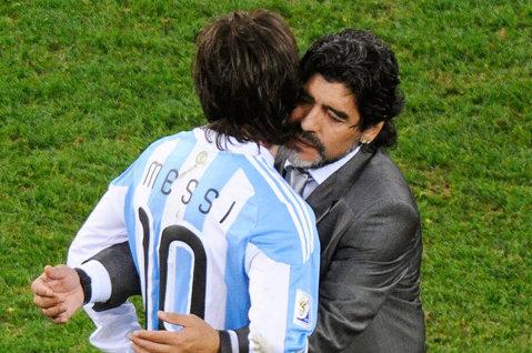 """Diego Maradona: """"Messi trebuie să rămână la echipa naţională!"""""""