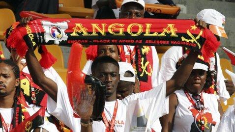 """Fotbalul mondial, lovit de o nouă tragedie. Un meci din Angola s-a lăsat cu 17 morţi şi zeci de răniţi: """"Oamenii s-au călcat în picioare, căţărându-se unii peste alţii"""""""