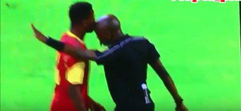 VIDEO | S-au inversat rolurile. De data asta un arbitru i-a dat un cap în gură unui jucător!
