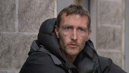 FABULOS! Ce nu ştiai despre cerşetorul care a salvat mai multe vieţi după atentatul din Manchester! Ce miliardar s-a oferit să-l ajute şi câţi bani s-au strâns până acum
