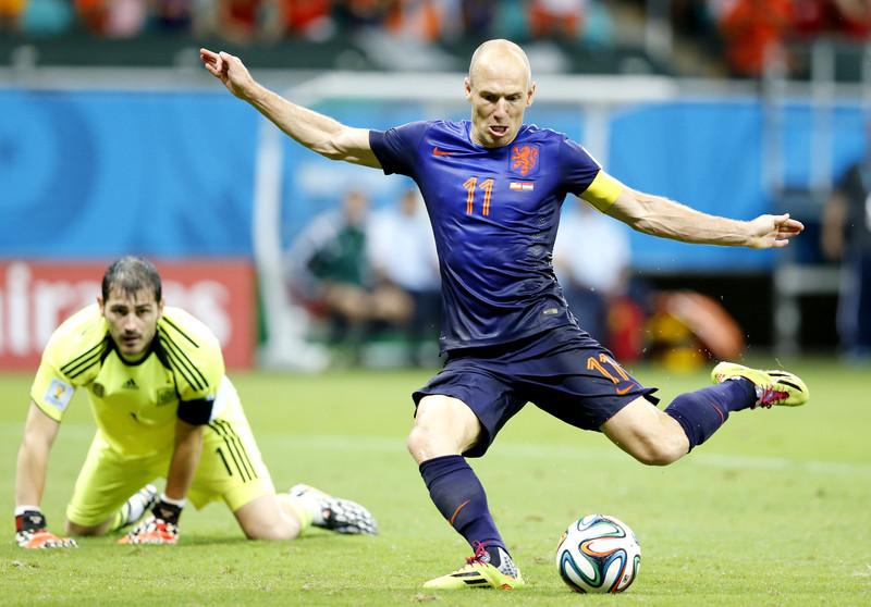 Robben l-a egalat pe Bergkamp în topul golgheterilor all-time ai Olandei cu un supergol! VIDEO | Stângul veteranului de 33 de ani e MAGIC