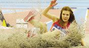 """Opera din Zagreb. Alina Rotaru a câştigat concursul de lungime de la World Challenge. """"Nici acum nu-mi vine să cred"""". """"Struţul"""" s-a clasat pe 2 la triplusalt"""