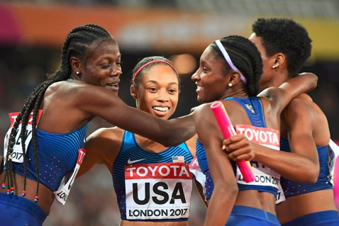 Echipa Statelor Unite cu celebra Allyson Felix a luat aur la 4x400 m în ultima zi a CM de la Londra. Surpriza a venit în proba masculină de 4x400 m