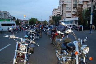 FOTO   Păpuşi şi motociclete la Craiova