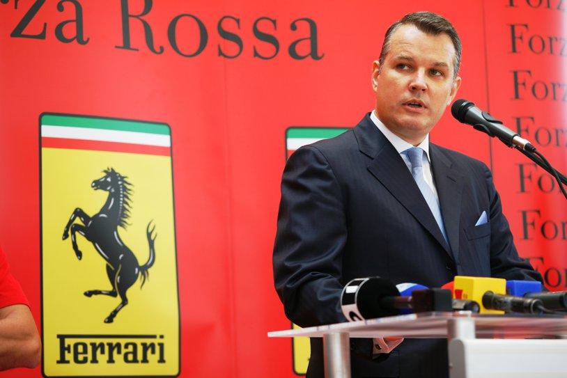 """Forza Rossa anunţă că nu mai intră în Formula 1 în 2015: """"Nu am primit acordul final de la FIA"""". Victor Ponta semnase angajamente în numele României pentru """"prima echipă românească din F1"""", fără licenţă ACR"""