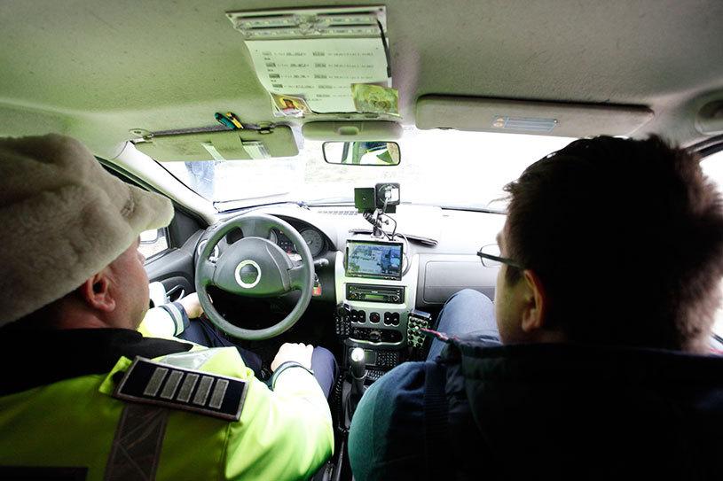 INCREDIBIL | A confundat şoseaua cu pista de curse. Un bărbat a fost surprins de radar pe A3 în timp ce conducerea cu 246 km/h. Poliţia Română susţine că este record naţional