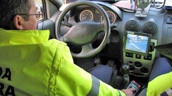 ULUITOR! Conducea pe A3 cu 255 km/h! Poliţiştii AU RĂMAS UIMIŢI când au văzut cine este şoferul