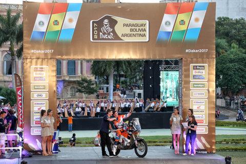 Mani Gyenes a luat startul în Dakar 2017! Noroiul, principalul adversar în primii 39 de kilometri ai cursei. Românul a terminat pe locul 33 în etapa prolog