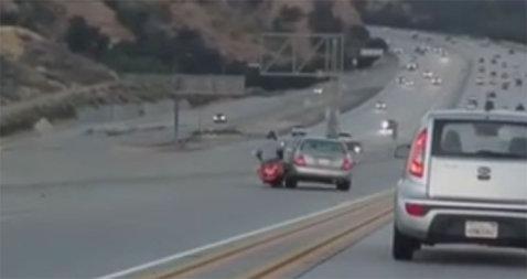 VIDEO | Accident spectaculos petrecut pe autostradă! Totul a pornit de la o şicanare în trafic