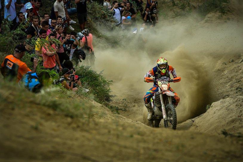 Mani Gyenes, medaliat cu aur la International Six Days Enduro 2017, o adevărată olimpiadă a motociclismului. Riderul sătmărean a fost singurul român la start din aproape 600 de sportivi