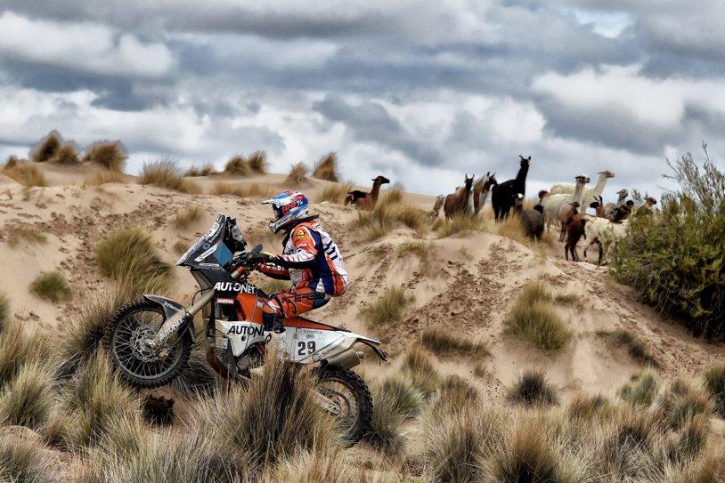 Emanuel Gyenes concurează în ediţia cu nr. 40 a Raliului Dakar. Pilotul din Satu Mare revine la clasa la care a obţinut două victorii în 2011 şi 2015