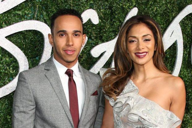 """""""E nebun de-a dreptul"""". Lewis Hamilton, acuzat de fosta iubită că a avut un comportament incredibil în timpul relaţiei. Ce i-ar fi făcut campionul din F1 tinerei de 26 de ani"""
