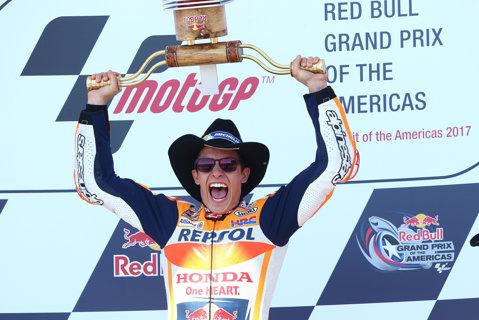 Don't mess with Rossi! Marc Marquez câştigă uşor cursa MotoGP din Texas, însă e huiduit de public după conflictul cu Valentino Rossi