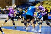 Corona schimbă percepţia în handbalul feminin după succesul cu HCM Baia Mare. HCM Roman s-a agăţat de grupul fruntaş, iar HC Zalău a marcat 40 de goluri la Cluj