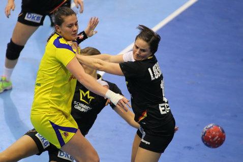 Gabriela Perianu a devenit incertă pentru Campionatul European. Cristina Neagu a făcut joncţiunea cu lotul la Cluj