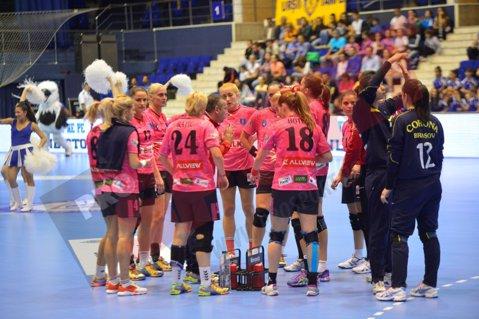 Corona Braşov supravieţuieşte în play-off. CSM Bucureşti, prima echipă calificată în semifinalele Ligii Naţionale de handbal feminin