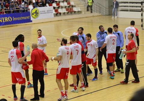Dinamo, victorie pentru podium în Liga Naţională. Bucureştenii au câştigat la scor cu Turda primul joc al finalei mici. Steaua s-a salvat matematic de la o retrogradare directă în Divizia A