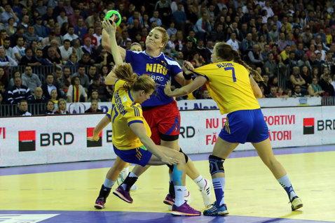 4.000 de euro, prima de calificare la Campionatul Mondial. S-au vândut aproape 5.000 de bilete pentru returul România - Serbia. Avertismentul preşedintelui Alexandru Dedu